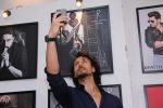 Tiger Shroff at Dabboo Ratnani calendar launch in Mumbai on 11th Jan 2017 (214)_587758054ca17.JPG