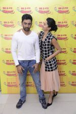 Taapsee Pannu and Amit Sadh at Radio Mirchi on 12th Jan 2017 (5)_58787f8e6c9d9.JPG