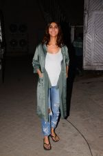 Vaani Kapoor snapped at Mehboob studio on 12th Jan 2017 (9)_587880aa175de.JPG