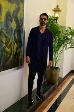Arjun rampal at Super Fight League event on 13th Jan 2017 (2)_587a141e28909.jpg