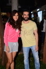 Disha Patani snapped with Punit Malhotra post shoot on 13th Jan 2017 (4)_587a1ed92cc43.JPG