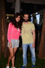 Disha Patani snapped with Punit Malhotra post shoot on 13th Jan 2017 (8)_587a1eddb1198.JPG