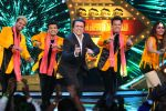 Govinda dances on the song Lohe ka Liver from his movie Aa Gaya Hero_587a14438597e.JPG