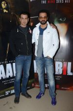 Rohit Roy, Ronit Roy at Kaabil interviews on 13th Jan 2017 (18)_587a1502a3bb1.JPG