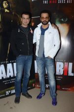 Rohit Roy, Ronit Roy at Kaabil interviews on 13th Jan 2017 (21)_587a1503e296f.JPG