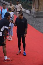 Anil Ambani at Mumbai Marathon Event in Mumbai on 15th Jan 2017 (16)_587b6aa922170.JPG