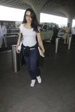 shraddha kapoor snapped at airport on 15th Jan 2017 (24)_587b6a9595059.JPG