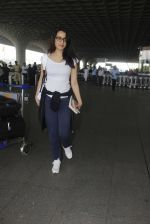 shraddha kapoor snapped at airport on 15th Jan 2017 (27)_587b6a98502b0.JPG