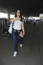 shraddha kapoor snapped at airport on 15th Jan 2017 (29)_587b6a9a0fb9b.JPG
