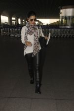 sophie Chaudhary snapped at airport on 15th Jan 2017 (9)_587b6a9d020e1.JPG