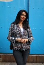 Mallika Sherawat snapped on 15th Jan 2017 (7)_587c70c655021.JPG