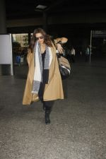 Neha Dhupia snapped at airport on 16th Jan 2017 (10)_587db61fe7ce9.jpg