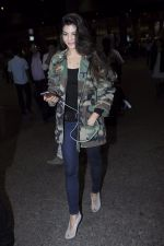 Jacqueline Fernandez snapped at the airport on 17th Jan 2017 (19)_588081e06c3d4.JPG