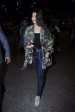 Jacqueline Fernandez snapped at the airport on 17th Jan 2017 (20)_588081e106356.JPG
