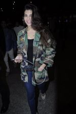 Jacqueline Fernandez snapped at the airport on 17th Jan 2017 (22)_588081e24f7d4.JPG