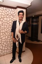 Manish Malhotra at Javed Akhtar_s birthday on 17th Jan 2017 (156)_58807ef5461ef.JPG