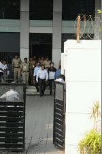 Salman Khan arrives in Mumbai after being acquitted in the Arms case (12)_58806136d4e90.JPG