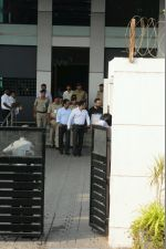 Salman Khan arrives in Mumbai after being acquitted in the Arms case (13)_58806137bcbbe.JPG