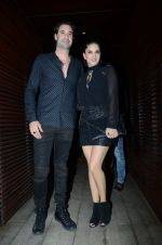 Sunny Leone snapped post dinner on 18th Jan 2017 (13)_58808e23318a2.JPG