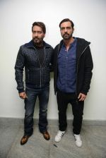Ajay Devgan, Arjun Rampal at Super Fight league press meet on 19th Jan 2017 (46)_5881d0cd741e6.jpg