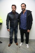 Ajay Devgan, Arjun Rampal at Super Fight league press meet on 19th Jan 2017 (48)_5881d0ce10418.jpg