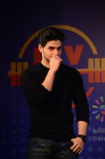 Sooraj Pancholi snapped at Sony Liv fitness event on 19th Jan 2017 (38)_5881d251520d6.JPG