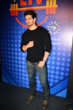 Sooraj Pancholi snapped at Sony Liv fitness event on 19th Jan 2017 (76)_5881d25af3698.JPG