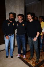 Sooraj Pancholi, Sunil Shetty, Sohail Khan snapped at Sony Liv fitness event on 19th Jan 2017 (60)_5881d1ecb98cb.JPG