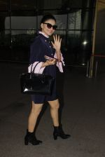 Urvashi Rautela snapped at airport on 19th Jan 2017 (1)_5881d09916571.JPG