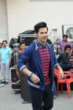 Varun Dhawan snapped at mehboob studio on 19th Jan 2017 (23)_5881c15dda1db.jpg
