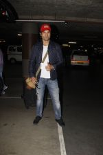 Rohit Roy snapped at airport on 22nd Jan 2017 (31)_5885b02ca6614.JPG