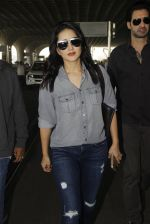 Sunny Leone snapped at airport on 22nd Jan 2017 (21)_5885b047a8e2d.JPG