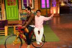 Jackie Chan on the sets of The Kapil Sharma Show on 23rd Jan 2017 (1)_5886f09f466a4.jpg