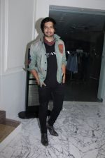 Ali Fazal at Special screening at Globus on 24th Jan 2017 (25)_588848b3bb216.JPG