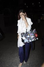 Shilpa Shetty snapped at airport on 24th Jan 2017 (11)_5888478e8aeaa.JPG