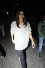 Vaani Kapoor snapped at airport on 24th Jan 2017 (26)_5888479e9c03d.JPG