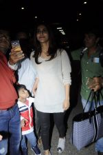 Vaani Kapoor snapped at airport on 24th Jan 2017 (30)_588847a30220b.JPG