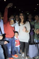 Vaani Kapoor snapped at airport on 24th Jan 2017 (31)_588847a3d38d4.JPG