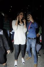Vaani Kapoor snapped at airport on 24th Jan 2017 (36)_588847a7caca1.JPG