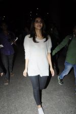 Vaani Kapoor snapped at airport on 24th Jan 2017 (40)_588847aae3b3c.JPG