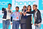 Vaani kapoor at the Launch of smart phone Huawei Honor 6X on 24th Jan 2017 (6)_5888414821fa7.JPG