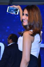 Vaani kapoor at the Launch of smart phone Huawei Honor 6X on 24th Jan 2017 (1)_5888414071e36.JPG