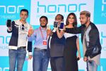 Vaani kapoor at the Launch of smart phone Huawei Honor 6X on 24th Jan 2017 (5)_58884146b57db.JPG