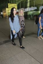 Elli Avram snapped at airport on 26th Jan 2017 (12)_588aecb65ff50.JPG