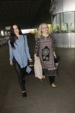Elli Avram snapped at airport on 26th Jan 2017 (4)_588aec9e990a7.JPG