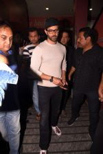 Hrithik Roshan snapped at PVR on 25th Jan 2017 (10)_588ae7306abae.JPG