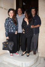 Kareena Kapoor and Sophie Chaudhary snapped at Manish Malhotra house on 26th Jan 2017 (19)_588aef2a03262.jpg