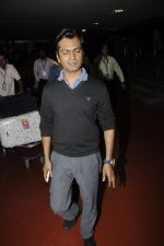 Nawazuddin Siddiqui snapped at airport on 25th Jan 2017 (5)_588ae5ae22242.JPG