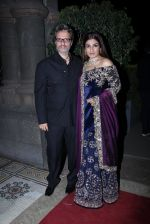 Raveena Tandon at Radha Kapoor_s Wedding Reception on 28th Jan 2017 (53)_588df90ec67d0.JPG