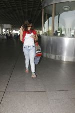 Zareen Khan snapped at airport on 28th Jan 2017 (26)_588dfd858995f.JPG